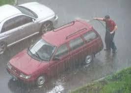 「雨洗車」をご存じですか?